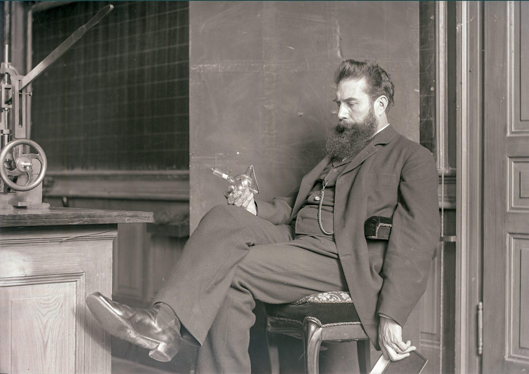 Op ontdekking met Wilhelm Röntgen door heden en verleden