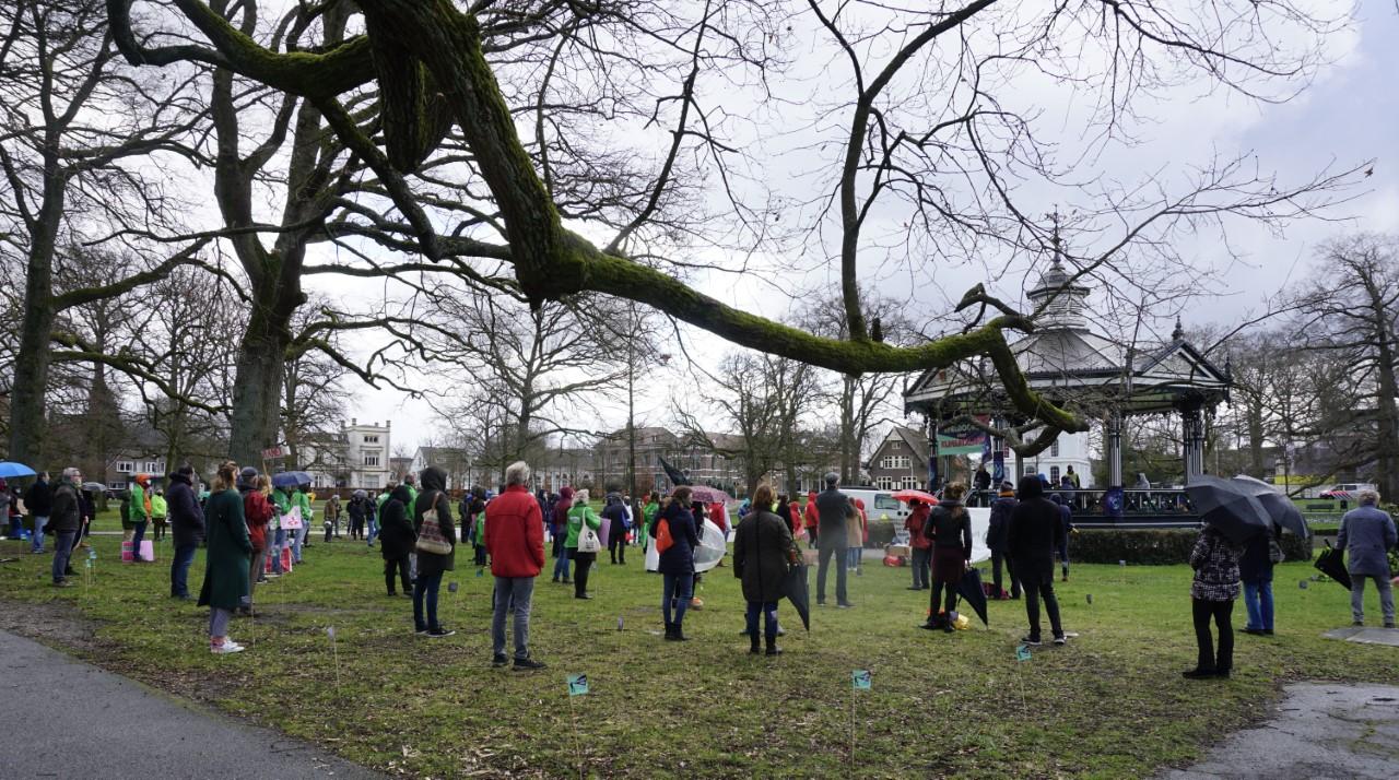 Klimaatalarm Apeldoorn verliep vlekkeloos: 'De 1,5e meter afstand werd gehouden en de mondkapjes werden gedragen'