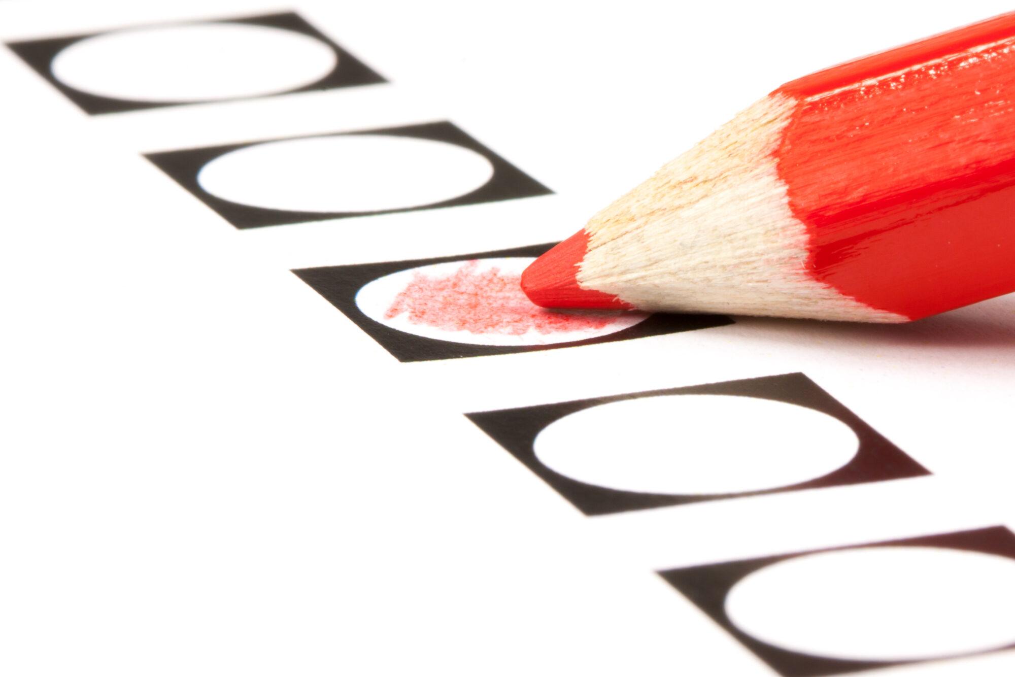 Kiezen in stembureau op wielen