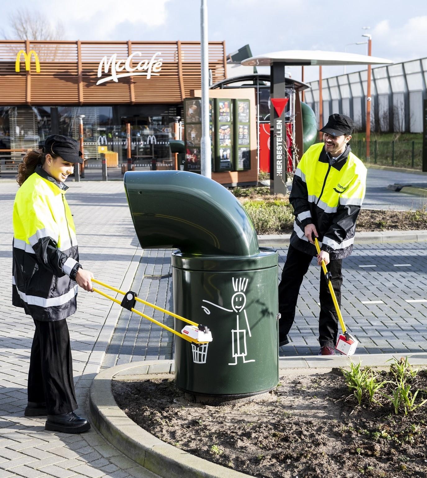 Directie van McDonald's Nederland gaat zwerfafval opruimen in Deventer