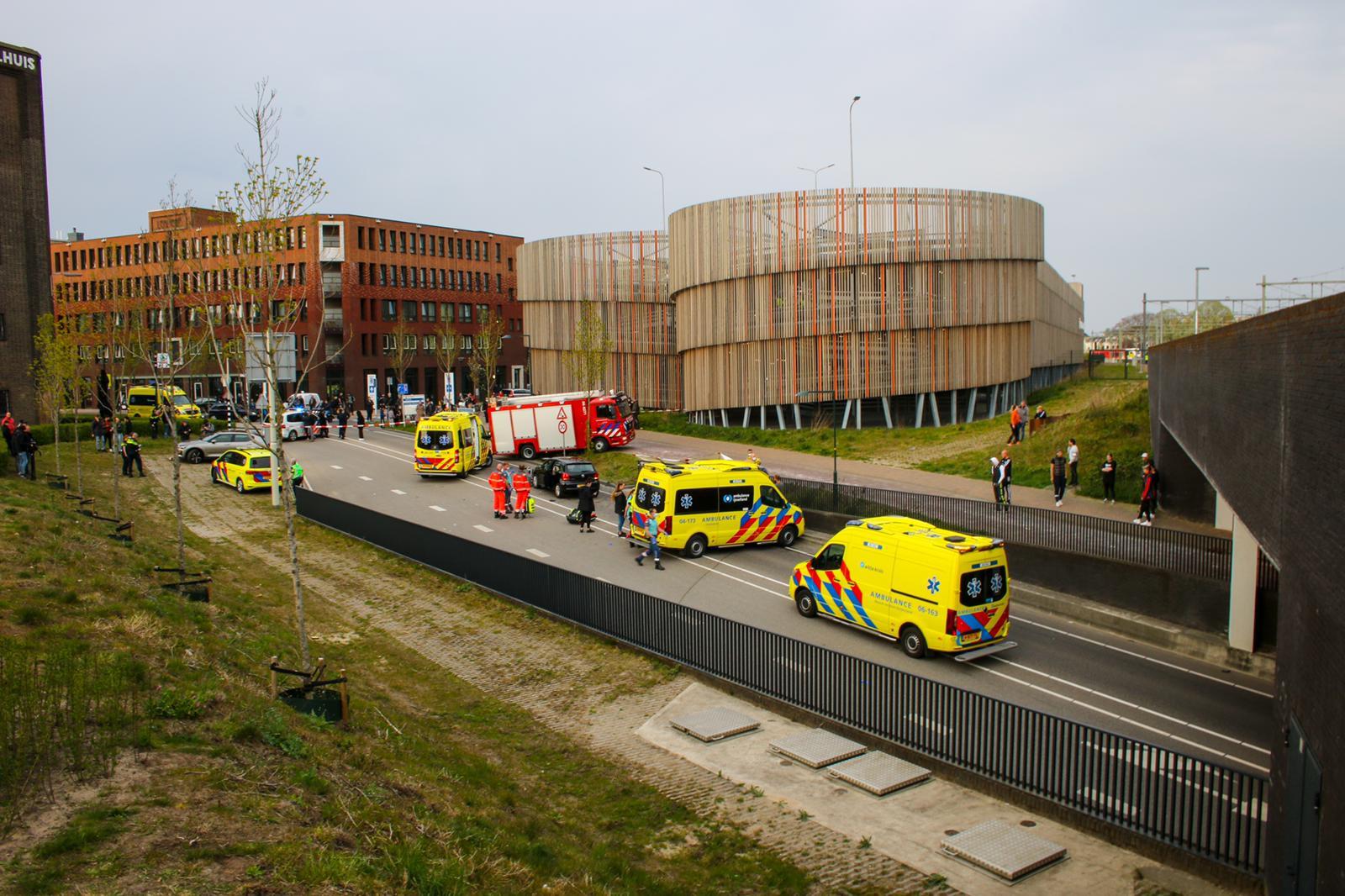 Dode en zwaargewonde bij tragisch ongeval in Zutphen.