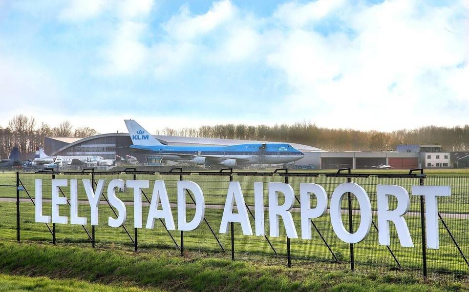 VVD Apeldoorn reageert op emoties actiegroepen tegen Lelystad Airport: 'Iedereen wil vliegen, maar niemand wil een vliegtuig'