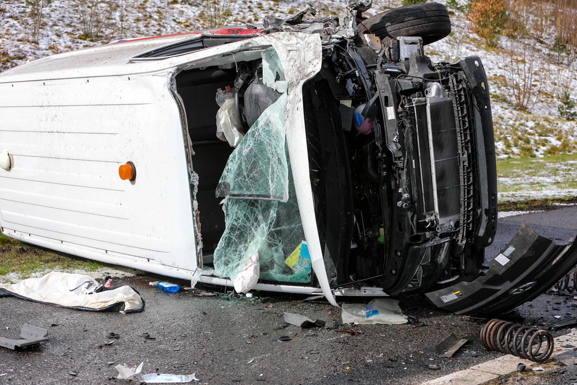 Meerdere ongevallen op de A1 bij Ugchelen.