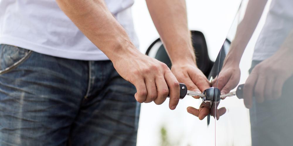 """Rijden zonder rijbewijs: """"jongeren vinden het noodzakelijk"""""""