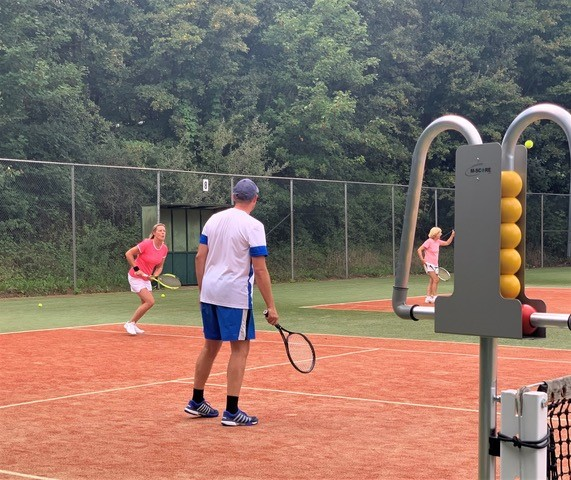 Zomerse uitdaging op de tennisbaan