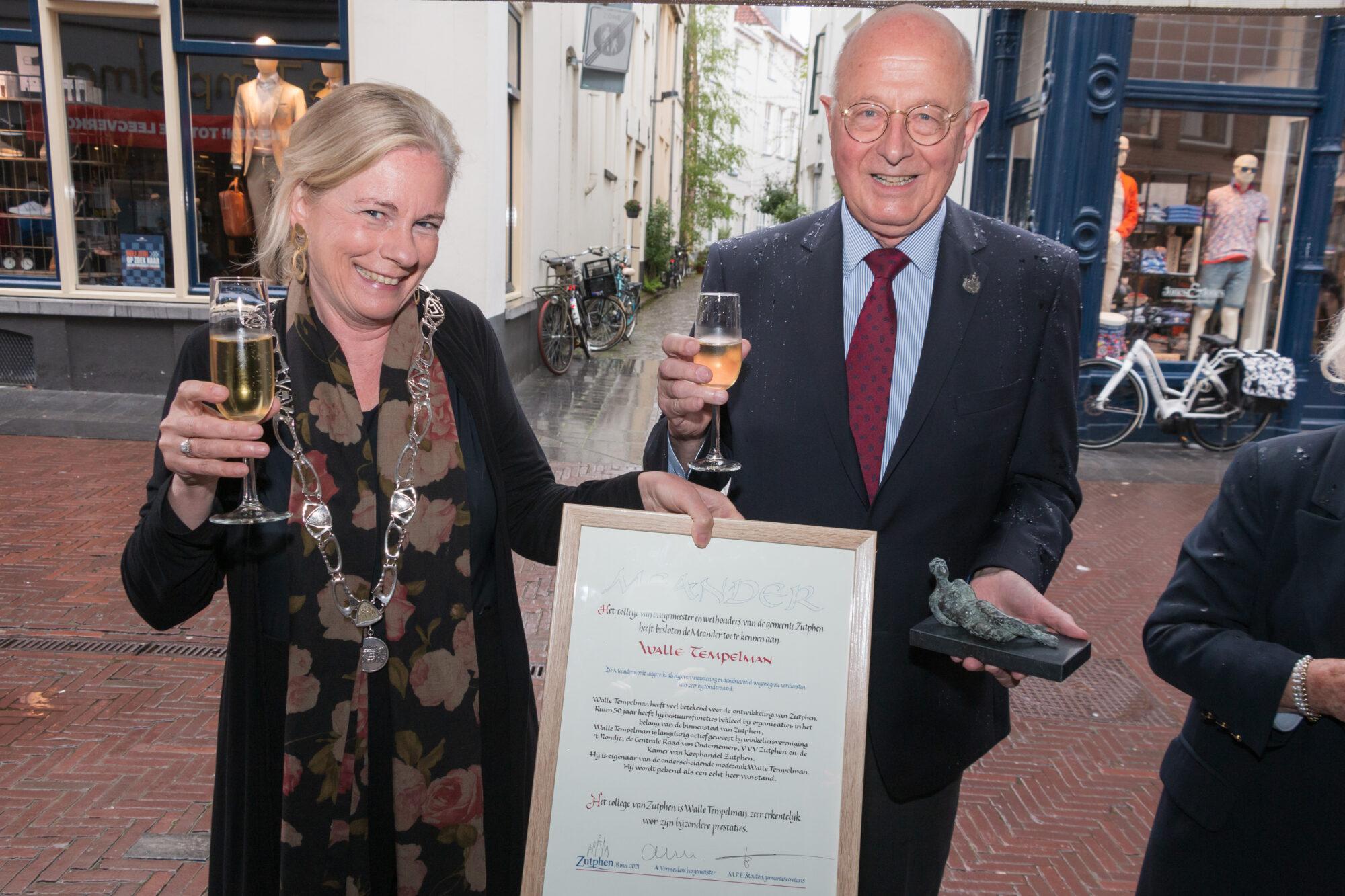 Walle Tempelman ontvangt onderscheiding voor jarenlange inzet voor Zutphen
