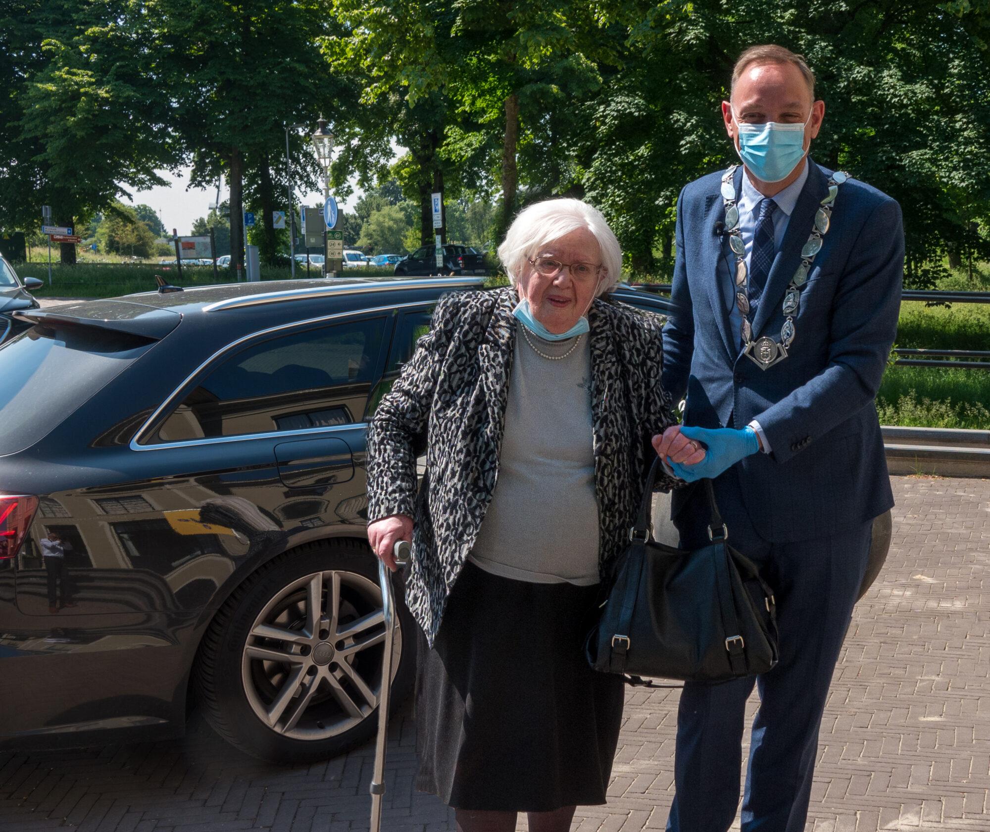 Deventerse burgemeester Ron König nu ook AutoMaatje