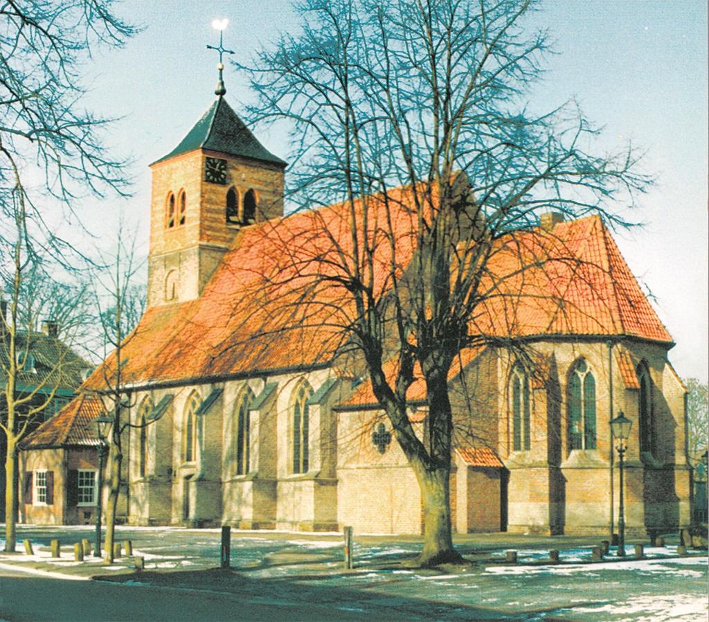 Martinuskerk al duizend jaar het stralend middelpunt van Warnsveld