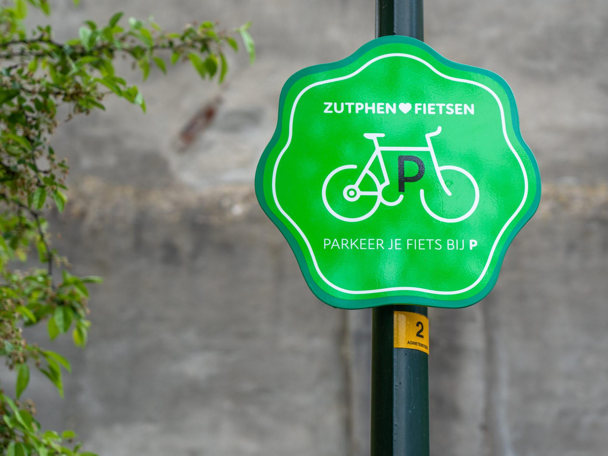 Twee tijdelijke fietsenstallingen in binnenstad Zutphen