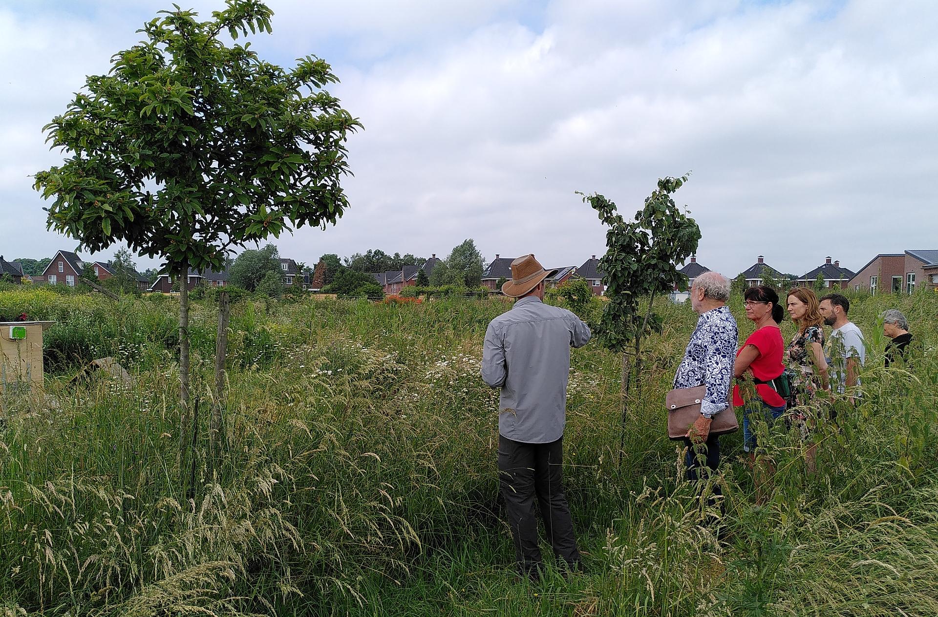 Rondleidingen voedselbos tijdens IJsselbiënnale