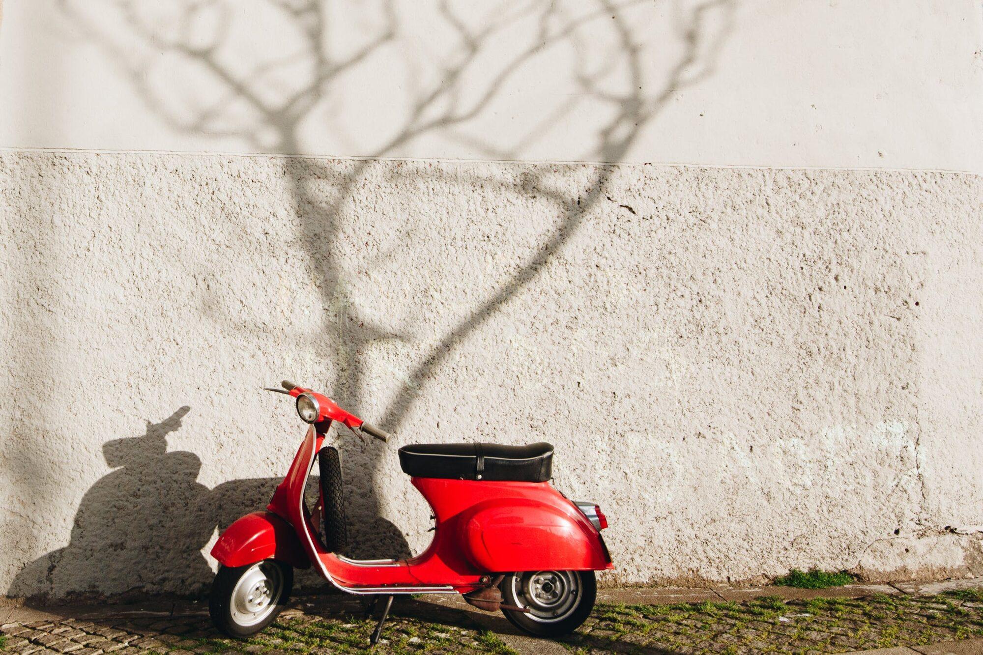 Onbezorgd de weg op met Diks scooterverzekering