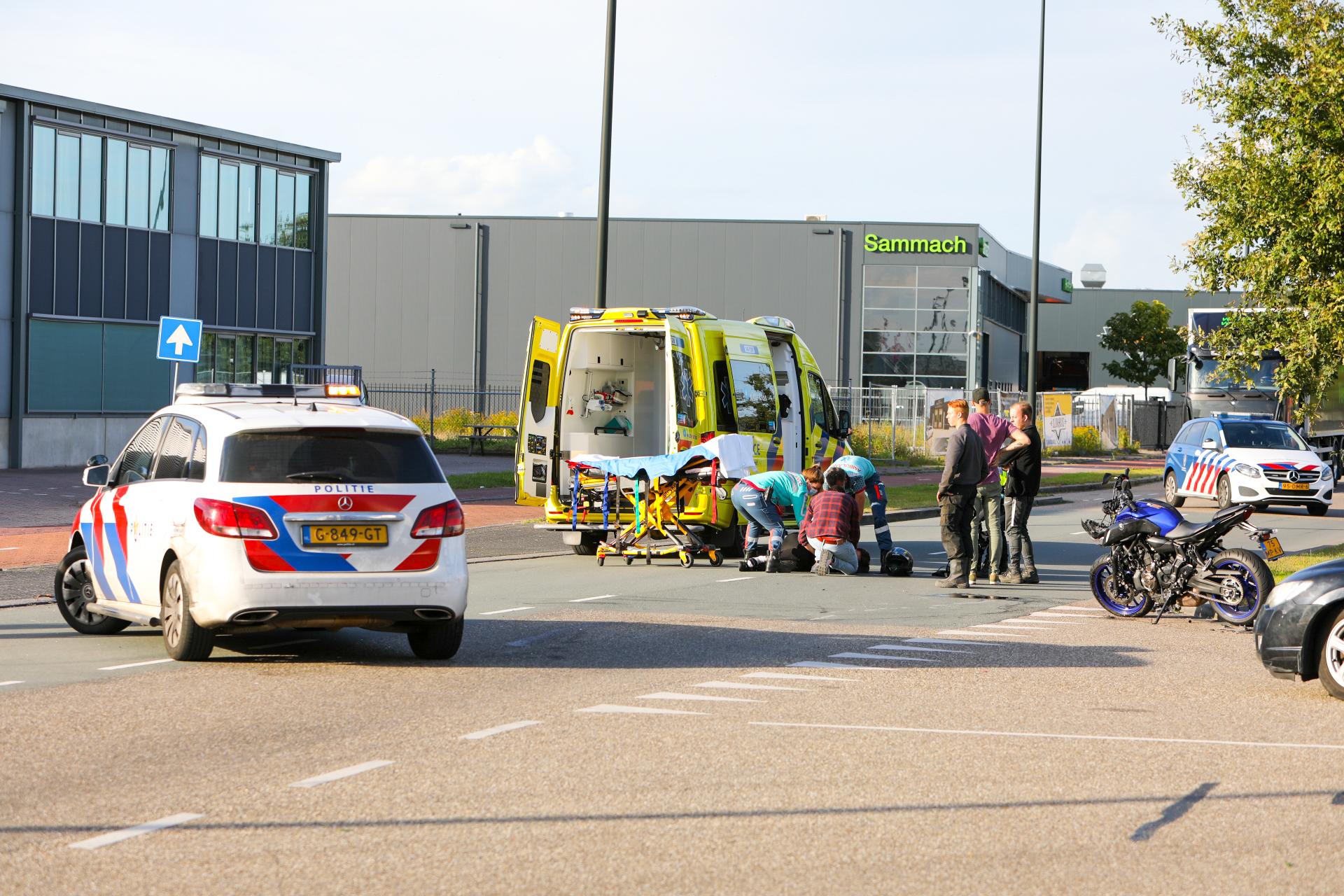Gewonde bij ongeluk op bedrijventerrein in Apeldoorn.
