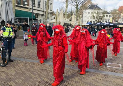 Deventer Waag in rook tijdens speech over klimaatcrisis