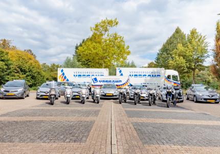 Verkeersschool Voskamp biedt ook theorie- en praktijklessen voor vrachtwagenchauffeurs