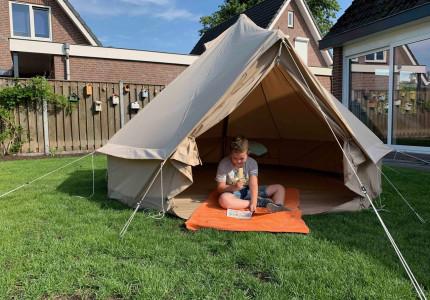 KidsErOpUit maakt het mogelijk: online kamperen