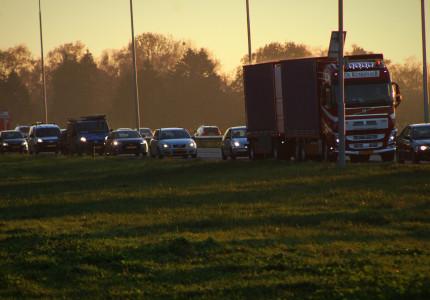 Botsing tussen vrachtwagens op de A1 bij Holten