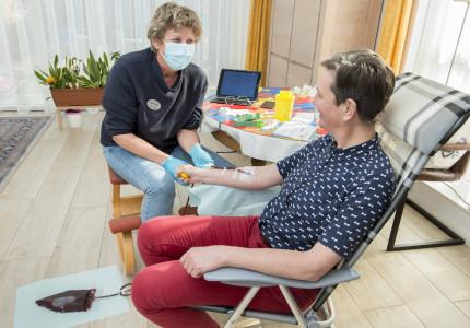 Aderlating kan nu ook thuis in regio Zutphen