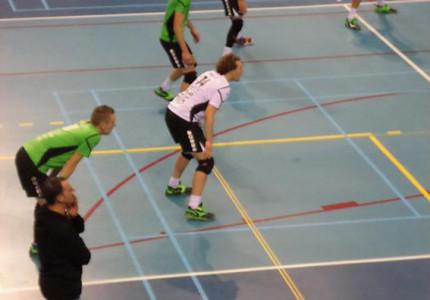 Dynamo laat op toeren in Apeldoornse volleybalderby