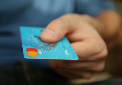 Nederlanders financieel uit balans door lockdown: Horeca én portemonnee weer open