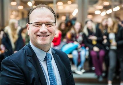 Burgemeester Ton Heerts richt zich tot de ondernemers