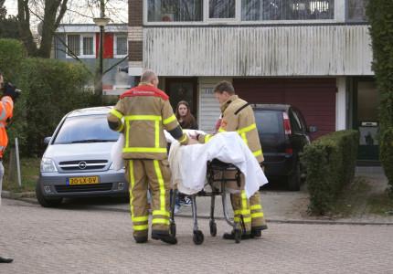 Brandweer assisteert bij vervoer ziekenhuis