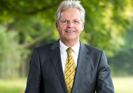 Burgemeester Jos Penninx verlaat in de zomer gemeentehuis, maar niet de gemeente