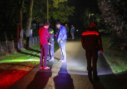 Buurtbewoner treft zwaargewonde jonge vrouw aan in Elspeet