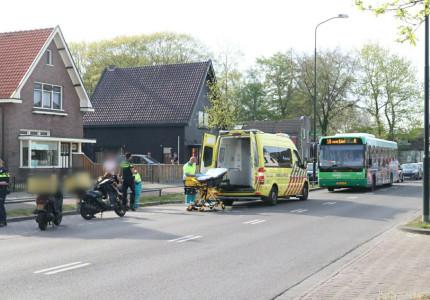 Scooterrijder raakt gewond bij aanrijding op Arnhemseweg