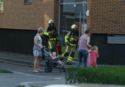 Brandende gasfles zorgt voor gevaarlijke situatie