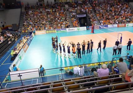 Oranje volleyballers laten de temperaturen stijgen