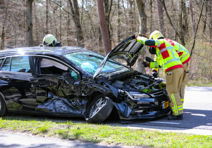Drie gewonden bij auto-ongeluk in Beekbergen