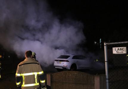 Peperdure Audi brandt uit in Apeldoorn