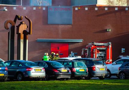Poging tot uitbraak bij gevangenis in Zutphen; Bestelbusje uitgebrand