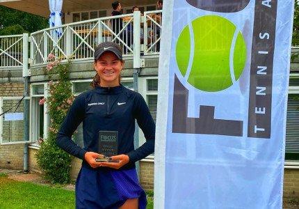 Mijlpaal voor Apeldoorns tennistalent Rose Nijkamp