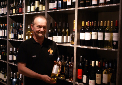 Cognactheek breidt uit in wijnen