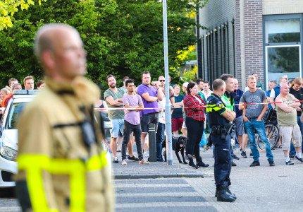 Grote brand op bedrijventerrein in Apeldoorn trekt veel bekijks