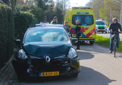 Geen gewonden, wel veel schade na aanrijding in Warnsveld
