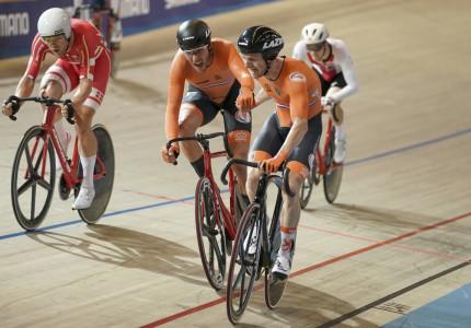 Oranje domineert op EK, slotdag voor Denen