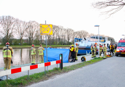 Man belandt in kanaal bij Eefde en raakt ernstig gewond