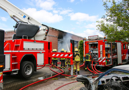 Grote brand in bedrijfspand Almen