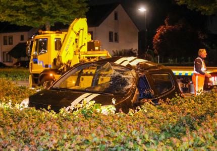 Auto achtergelaten na ongeluk in Apeldoorn