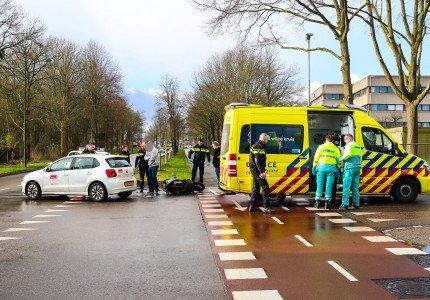 Scooterrijder gewond bij botsing op Landdrostlaan